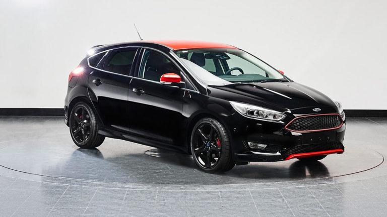 Custom Interior Ford Focus 2016 | Black Leather & Alcantara